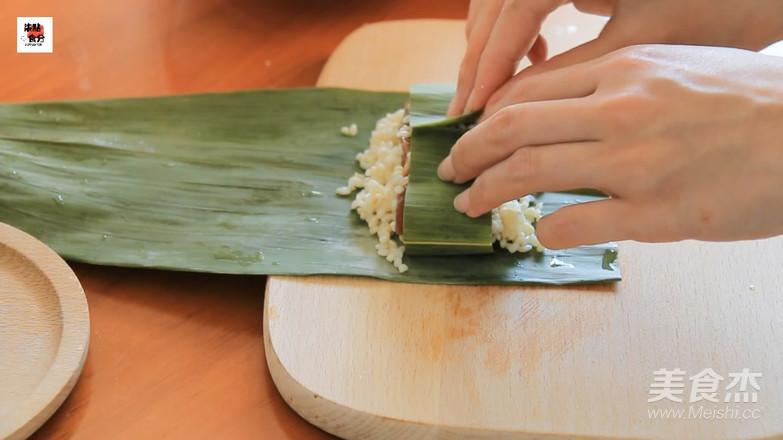 """吃够了粽子?来份不一样的""""粽香排骨卷""""的制作"""