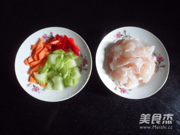 西芹炒鱼块的做法大全