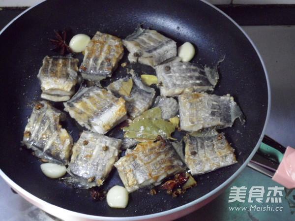 五香带鱼怎么吃
