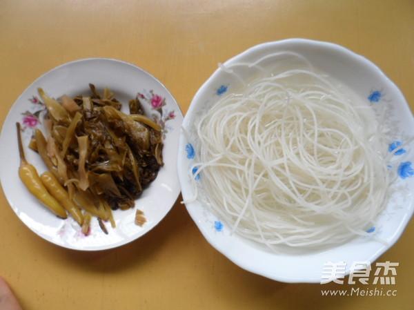 酸菜米线的做法大全