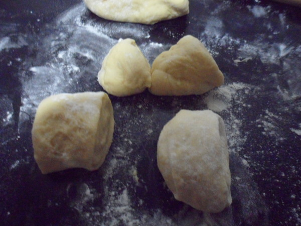 红豆沙面包怎么吃