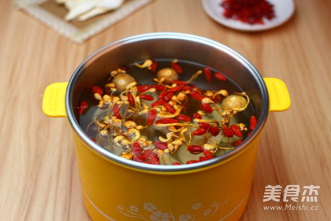 广东老火靓汤-虫草花干贝玉米汤的做法图解