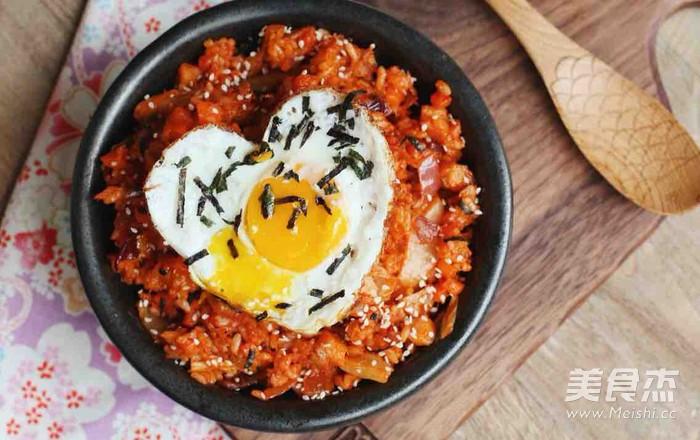 韩国泡菜吞拿鱼炒饭怎么煮