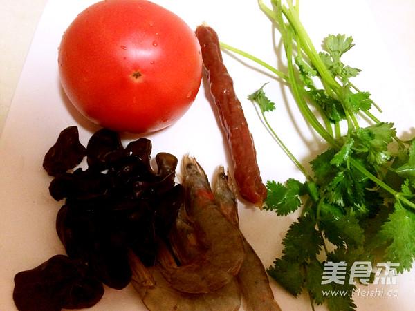 西红柿大虾混汤面的做法大全