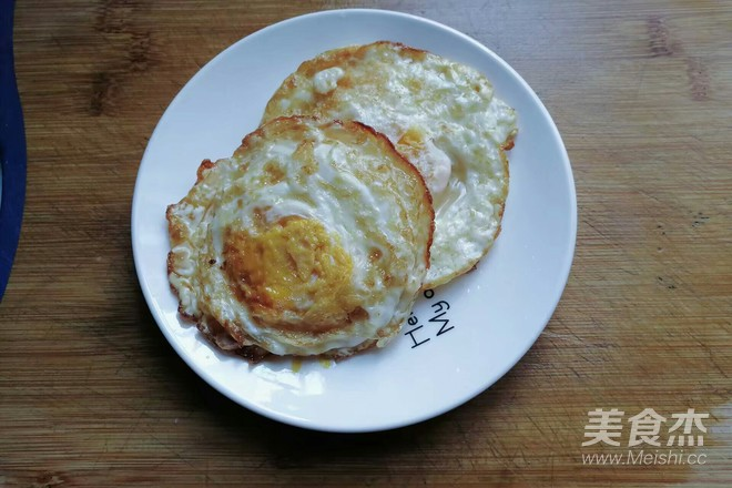 酱爆荷包蛋怎么吃