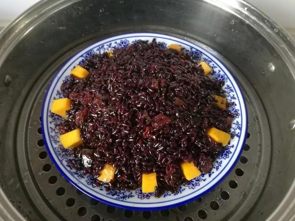 金瓜黑米饭怎么煸