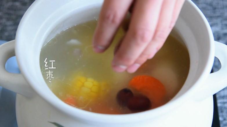 排骨玉米汤怎样煸