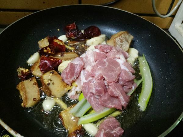 猪肉白菜炖粉条的简单做法
