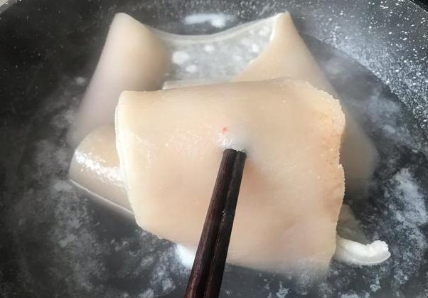 水晶猪皮冻+凤球唛芝麻油的家常做法