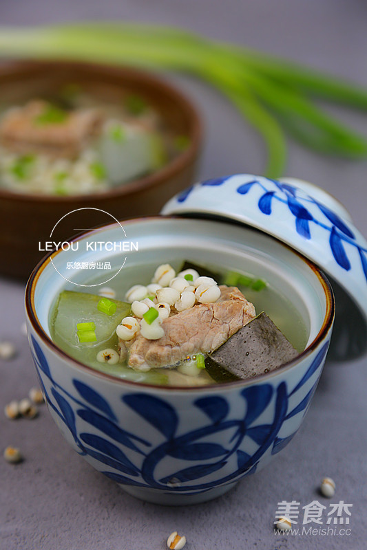 冬瓜薏米排骨汤成品图