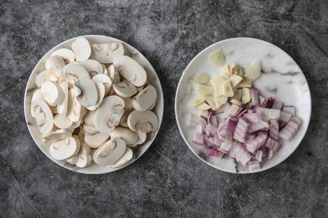 奶油蘑菇浓汤-Vitamix版的做法图解