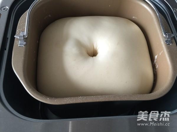 中种椰丝豆沙面包的家常做法