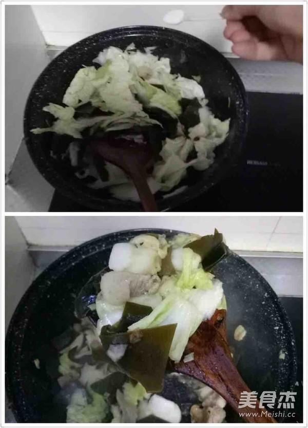 冻豆腐五花肉炖海带白菜的家常做法
