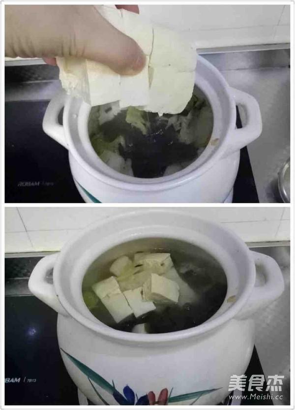 冻豆腐五花肉炖海带白菜的简单做法
