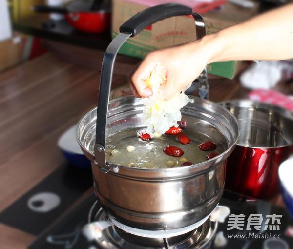 银耳莲子汤怎么吃