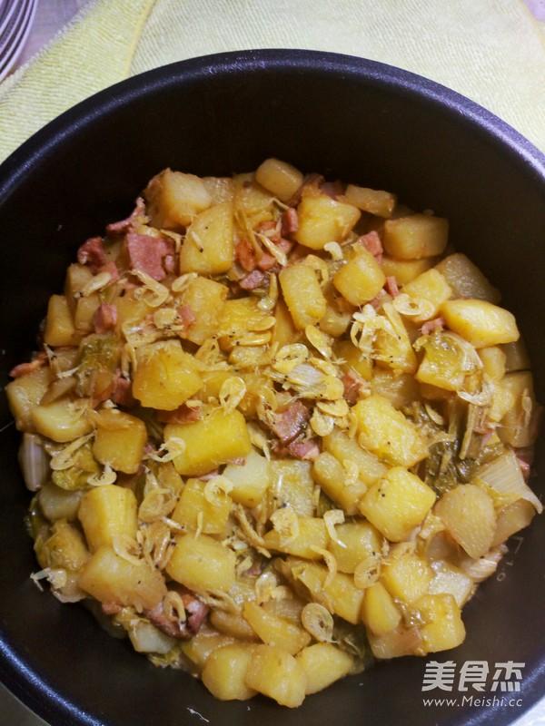 土豆焖饭的制作