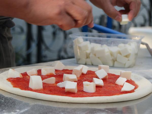意大利国食玛格丽特披萨的简单做法