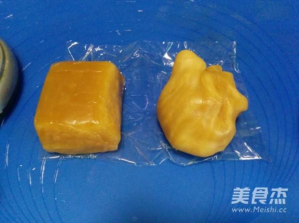莲蓉蛋黄月饼怎么煮