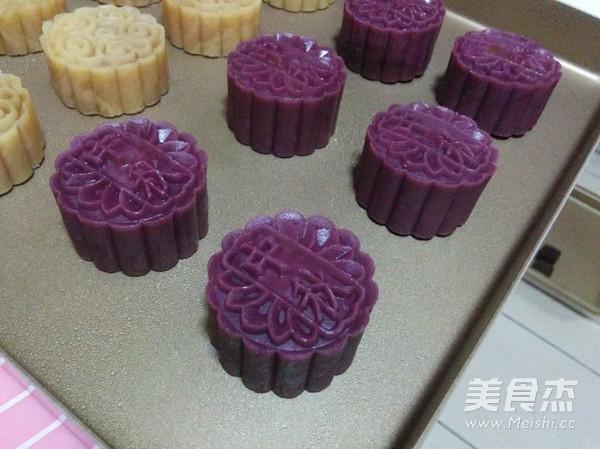 紫薯蛋黄桃山月饼的做法大全