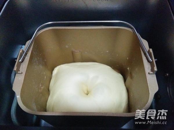 欧芹香肠面包怎么做