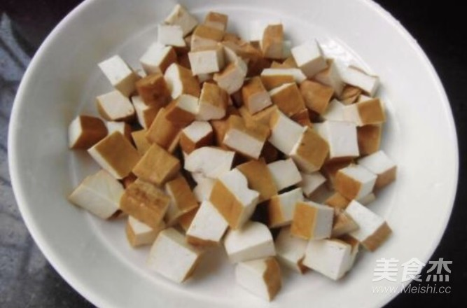 毛豆炒肉丝的家常做法