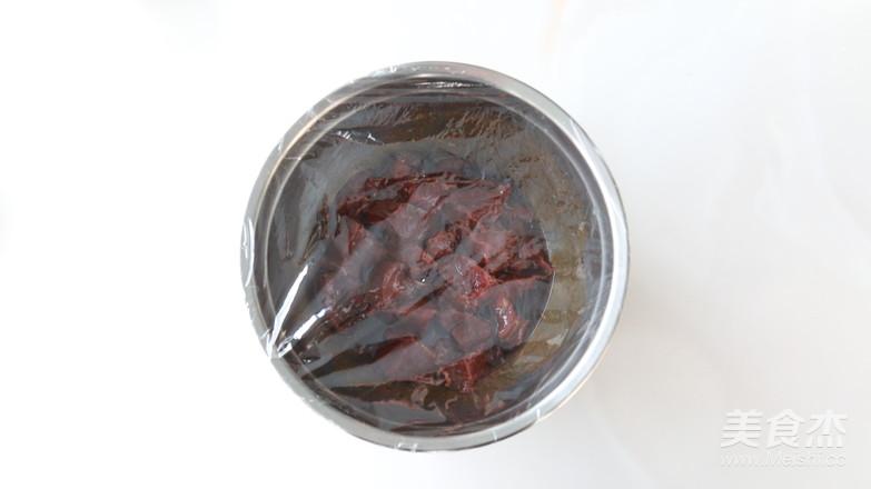 香烤牛肉串怎么吃