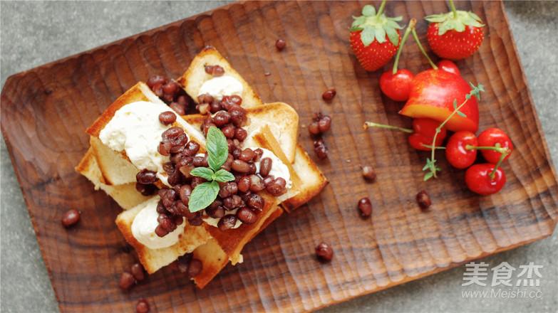 雨天里的红豆吐司早餐怎么煸