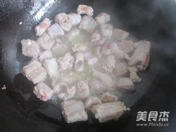 排骨咖喱米饭怎么做