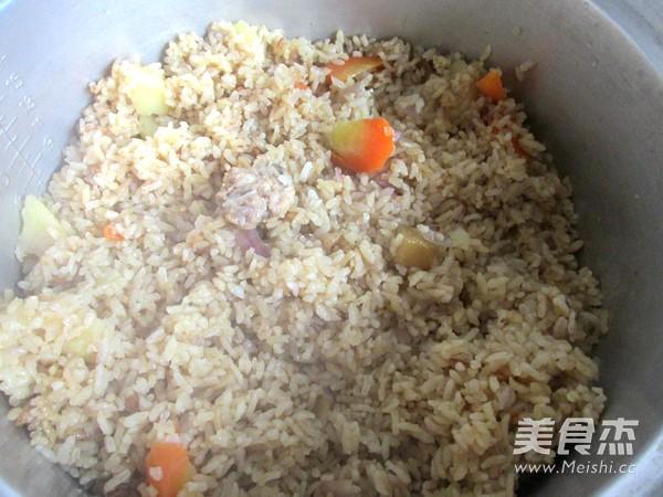 排骨咖喱米饭怎么煸