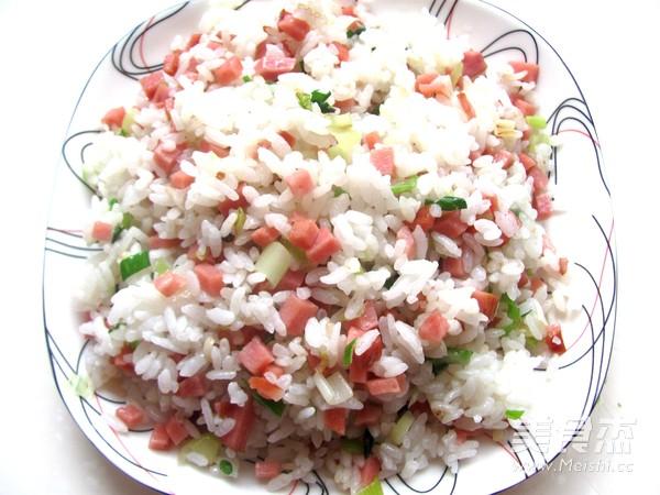 火腿炒米饭怎么煮