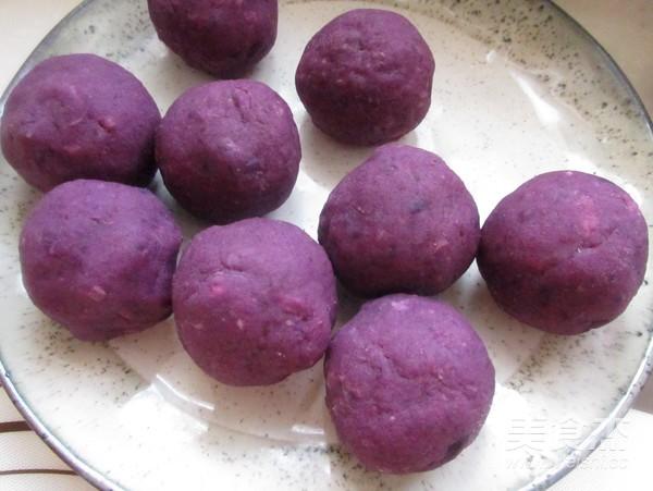 紫薯蛋黄酥怎么煸