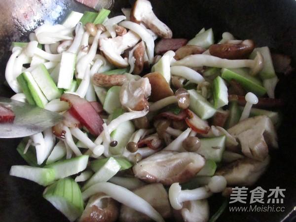 菌菇豆腐煲怎么吃