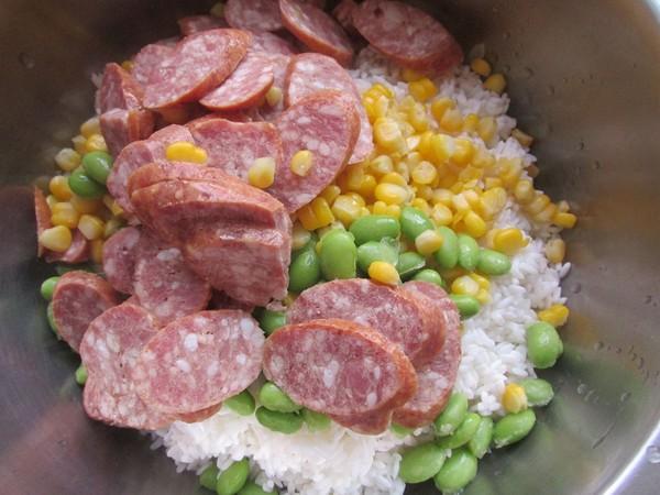 香肠玉米青豆饭的简单做法
