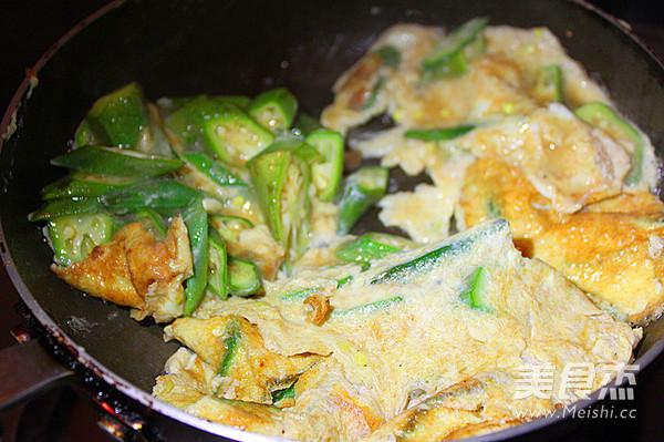秋葵虾酱炒鸡蛋怎么做