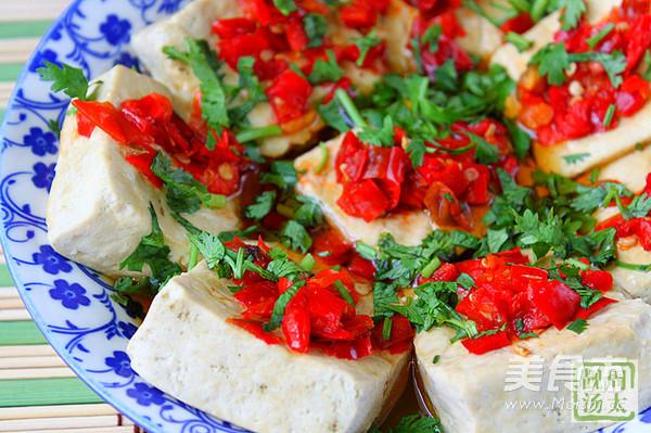 剁椒香菜蒸臭豆腐怎么做