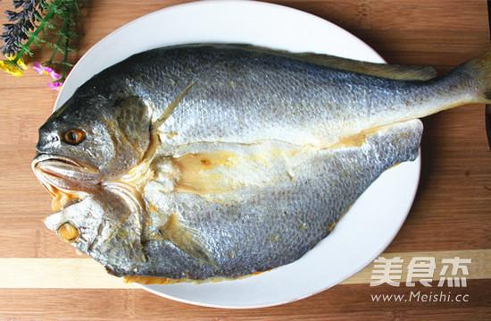 毛豆子蒸大黄鱼的做法大全
