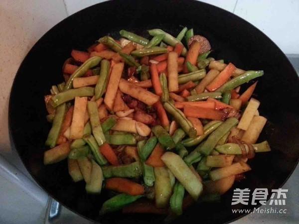 豆角土豆焖面怎么煮