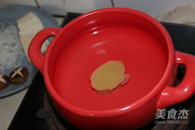鲜汤肥牛煲的家常做法