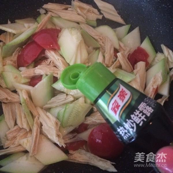 西葫芦炒腐竹怎么炒
