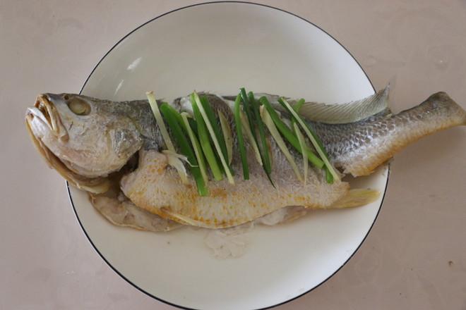 清蒸黄花鱼怎么炒