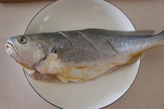 清蒸黄花鱼的家常做法