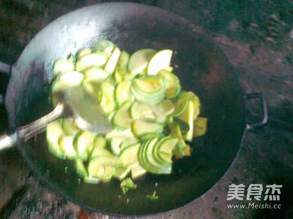炒西葫芦的家常做法