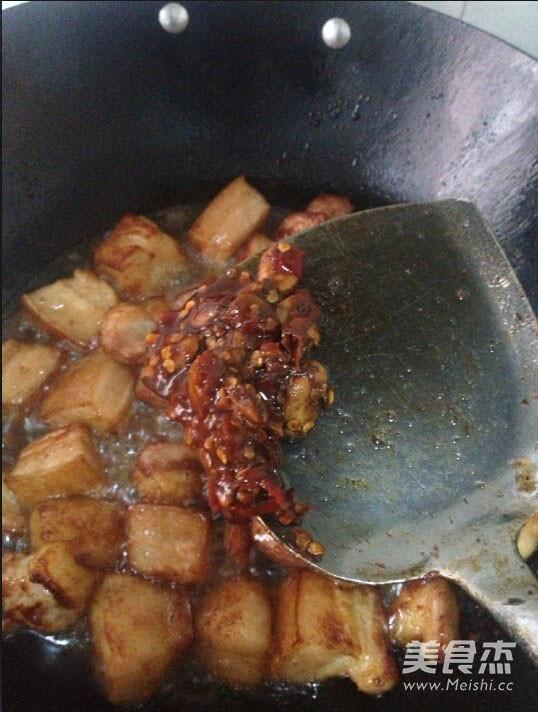 胡萝卜红烧肉家常做法怎么吃