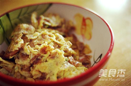 萝卜干炒鸡蛋的简单做法