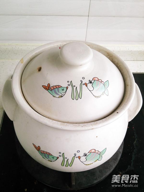 银耳莲子百合汤怎么吃