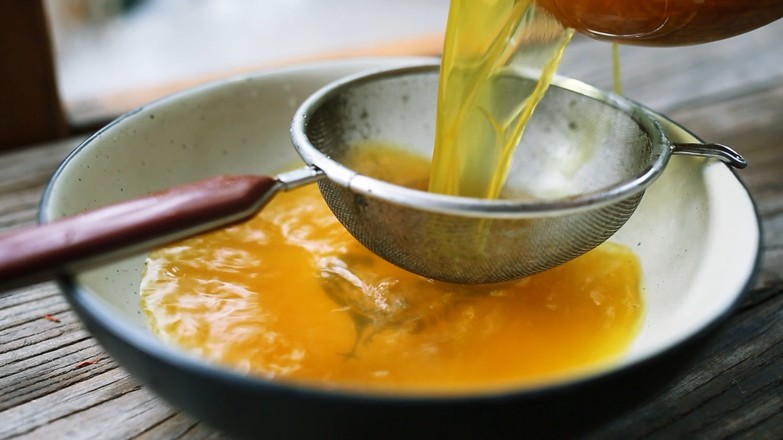 活血消瘤的桃红鳝鱼汤的步骤