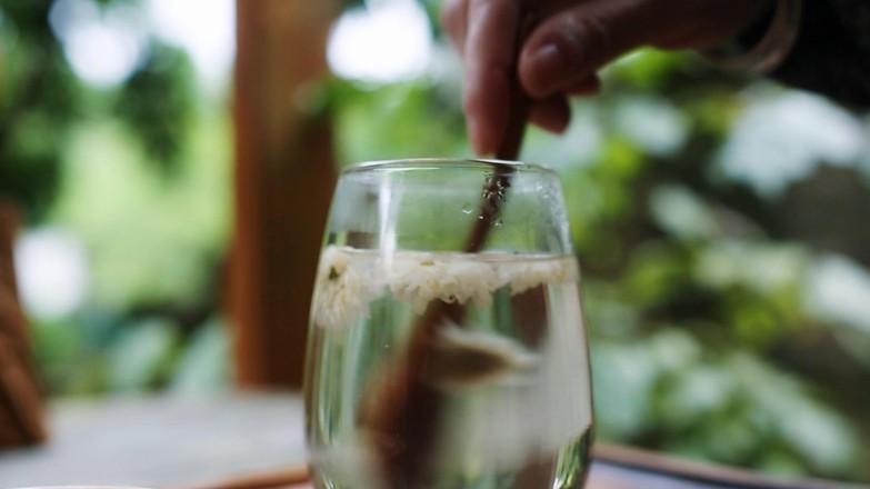 肝火旺,用眼过度,就喝菊花蜂蜜水成品图