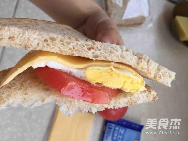 鸡蛋三明治的家常做法