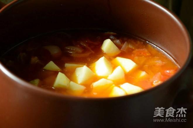 西红柿土豆炖牛腩怎么煮