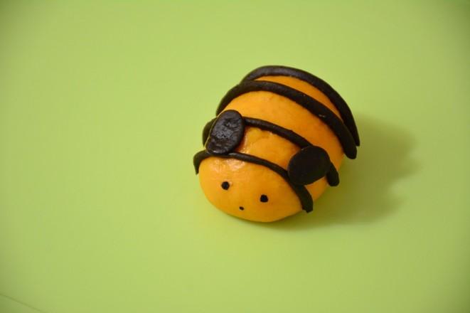 小蜜蜂馒头的制作